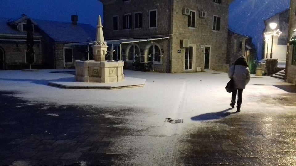 HN snijeg - čitalac