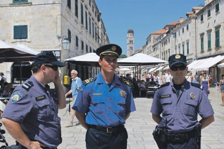aplikacija za upoznavanje policajaca što očekivati prilikom izlaska s australskim muškarcem