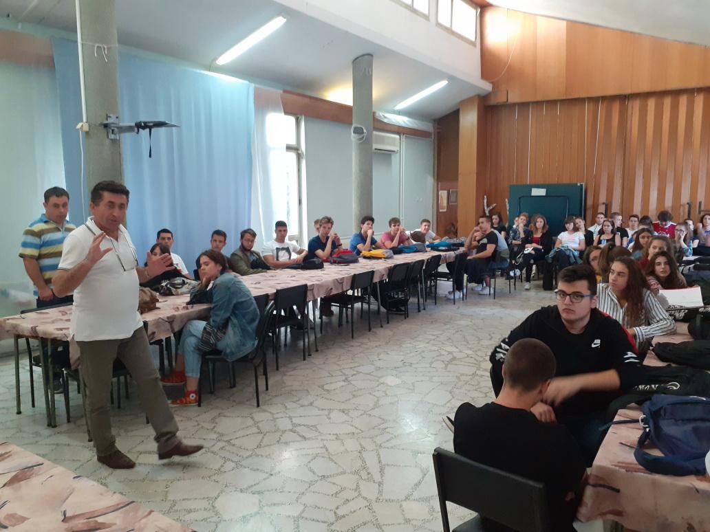 Cdpr Odrzali Predavanje O Stetnosti Pusenja Za Maturante Sms