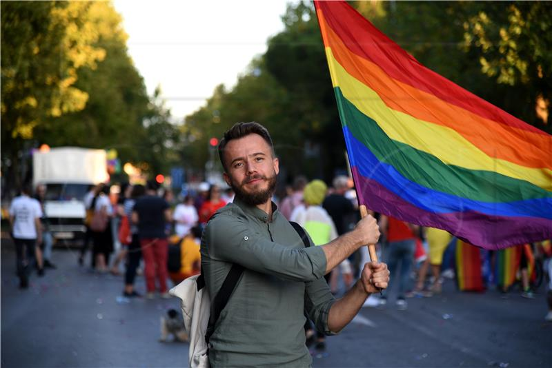 Crna Gora legalizovala istospolne brakove | Boka News